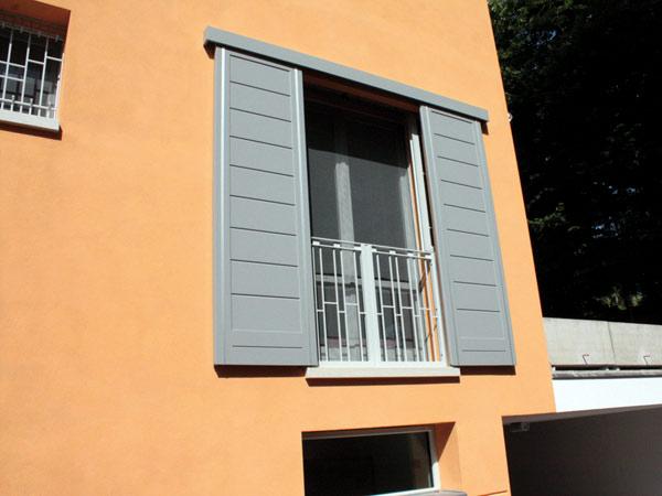 Ripristino-scuri-in-legno-Reggio-Emilia
