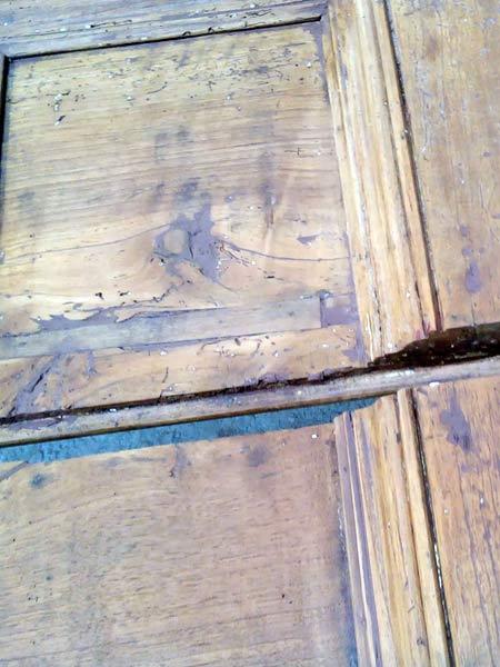 infissi-legno-rovinati-dalle-intemperie-carpi